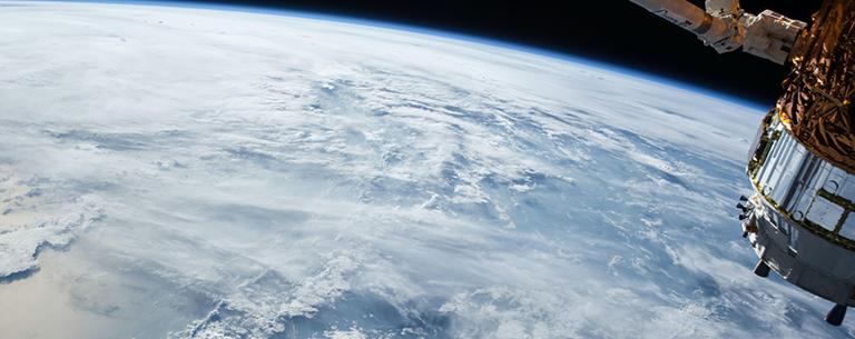 terre et satellite