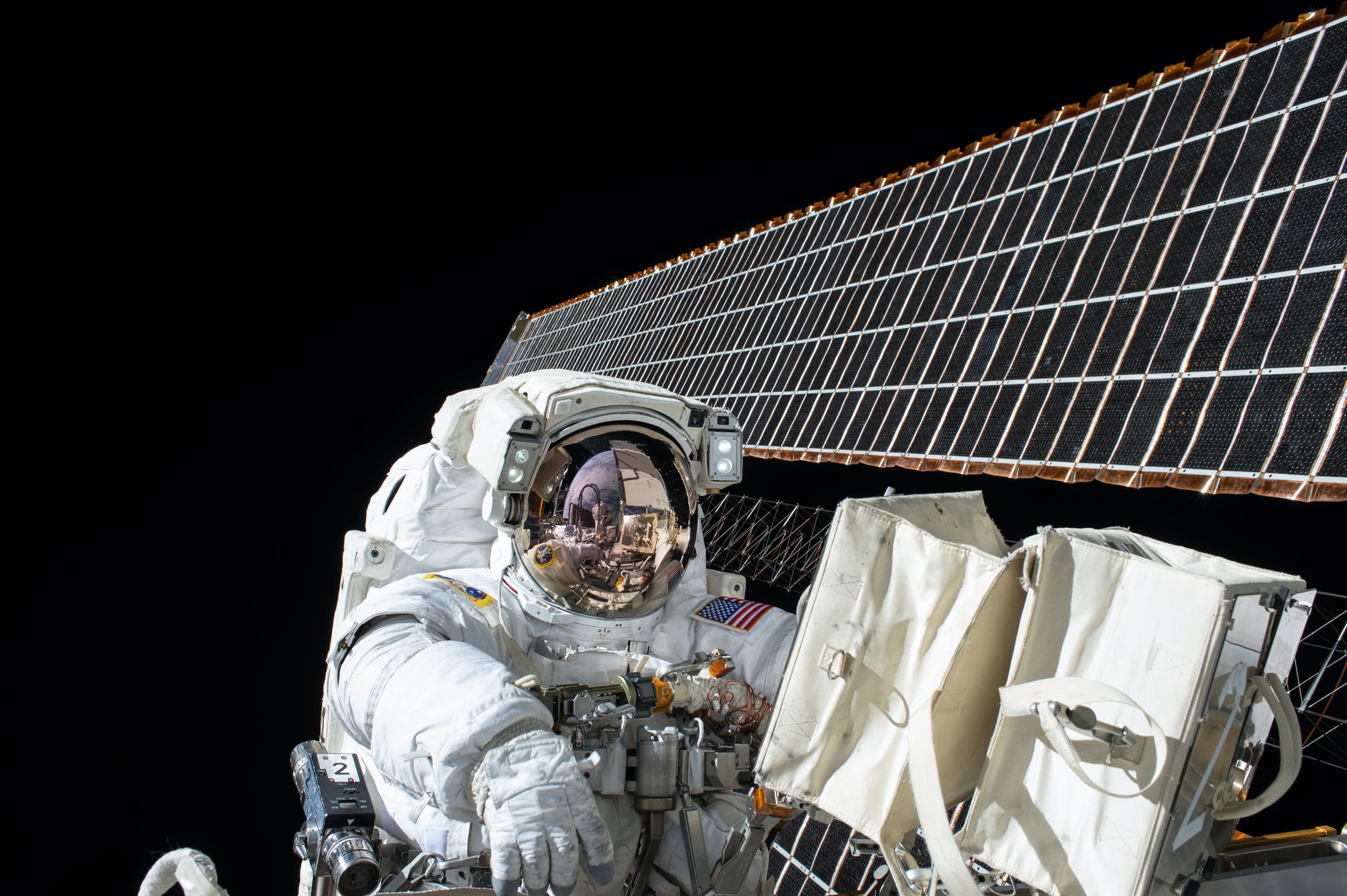 Satellite astronaute